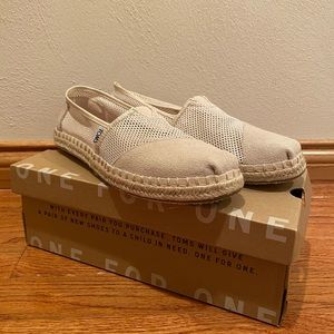 Women's Toms size 8.5